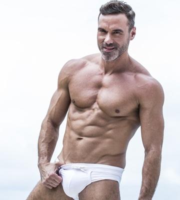 Manuel Skye